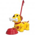 Tomy zenélő kutyus tologató