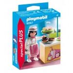 Playmobil 9097 - Cukrászlány süteményes pulttal
